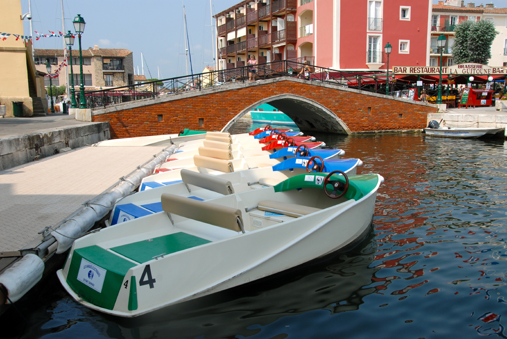location barques electriques var 83 port grimaud